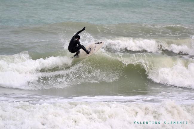 FOTO-SURF-VALENTINO-CLEMENTI-Large-650x433 (1)