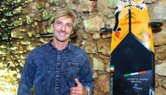 LA TAVOLA DI ALESSANDRO MARCIANÒ NEL PRESTIGIOSO SURFER WALL DI NAZARÉ