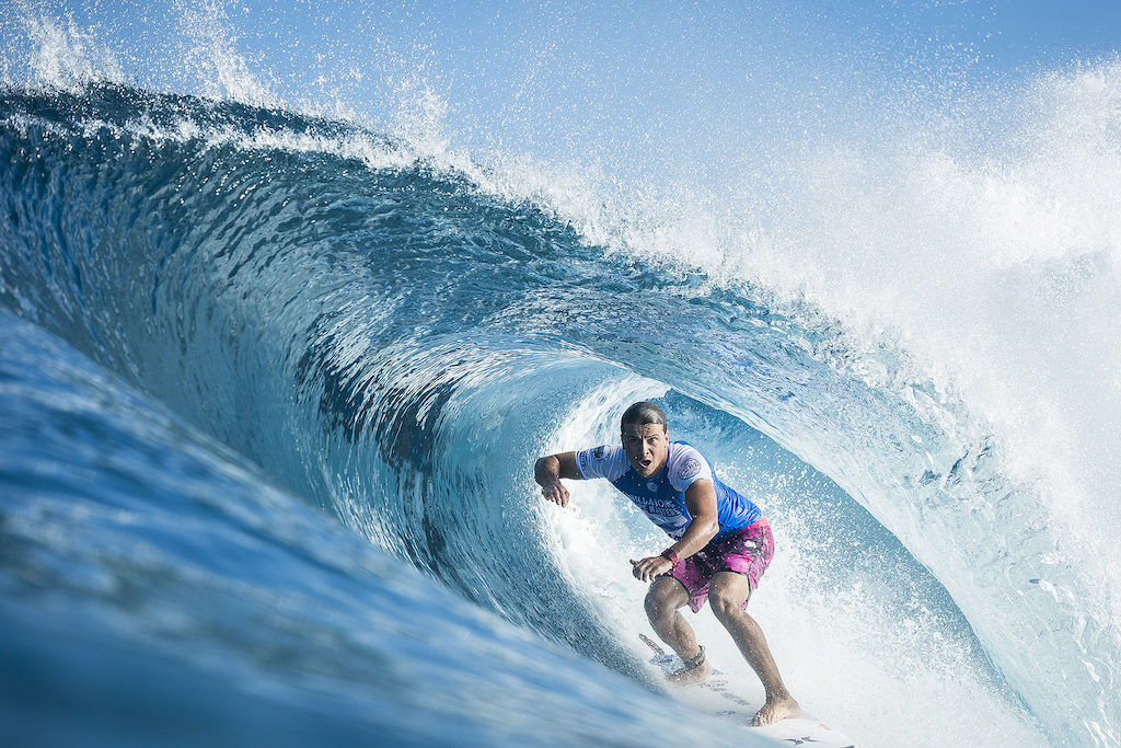 74f405c93093f5 Julian Wilson (AUS) placed 1st in Heat 3 of Round Two at Billabong Pipe  Masters 2017 in Pipe Oahu