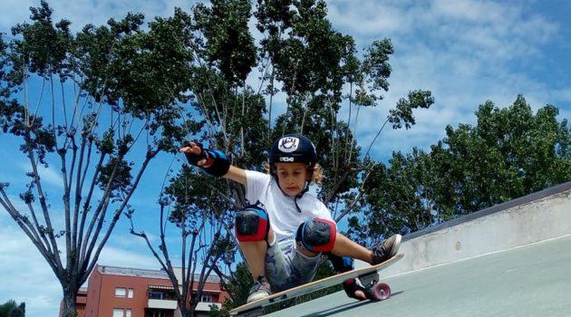 Huia Surf School – Surfskate Mode ON