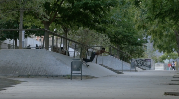 PARIS IN BARCELONA | Axel Serrat